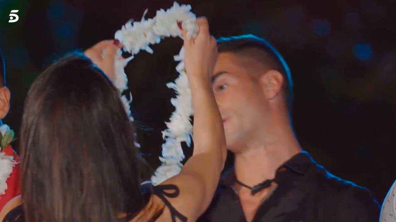 Melani rechazada por Alex en La isla de las tentaciones