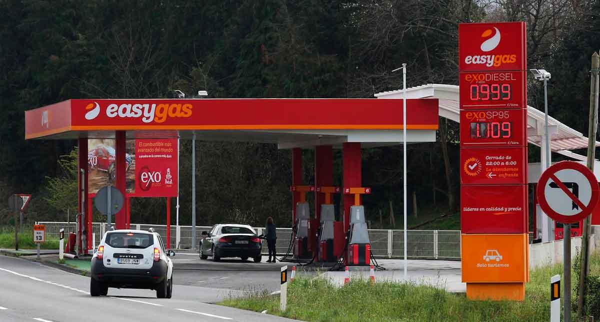 baja el precio de la gasolina en España