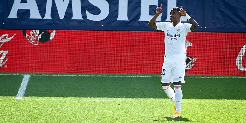 El Madrid gana al Levante y se pone líder (0-2)