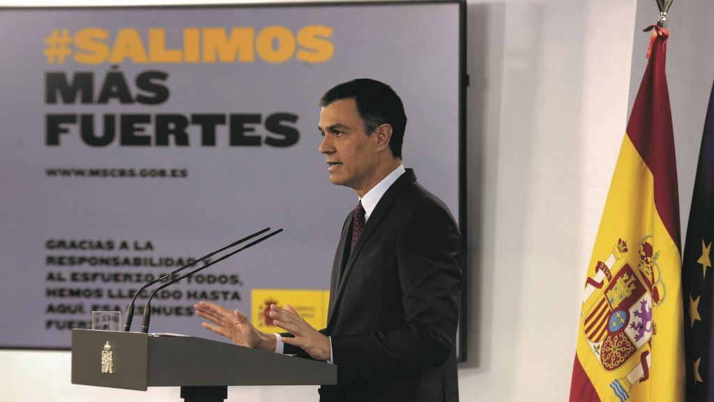 """Sánchez ve """"valiente"""" el discurso del rey y anuncia impulso y renovación de la Corona"""