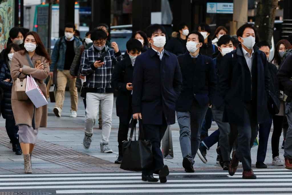 Japón detecta una nueva variante de coronavirus en cuatro viajeros de Brasil
