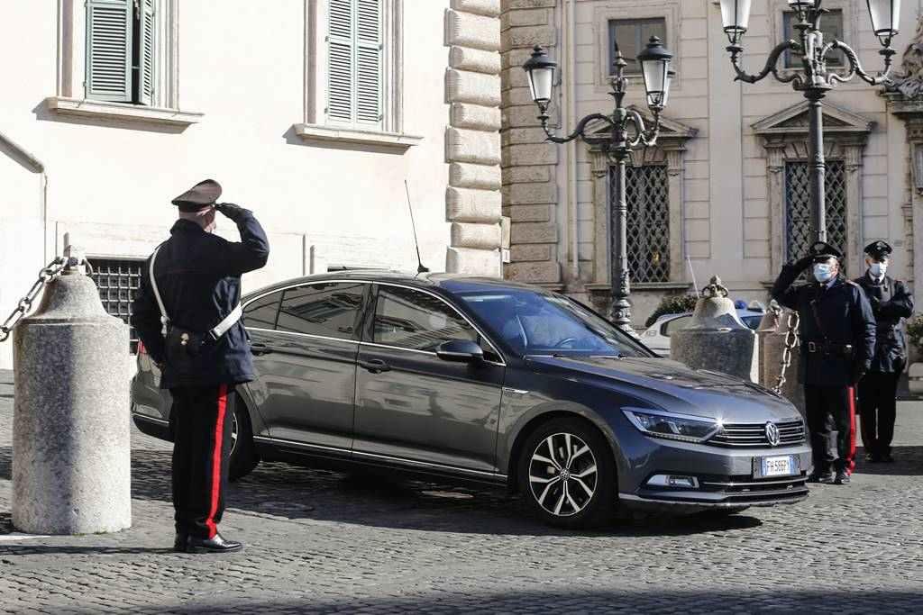 Conte podría volver a encabezar el Ejecutivo italiano tras dimitir hoy