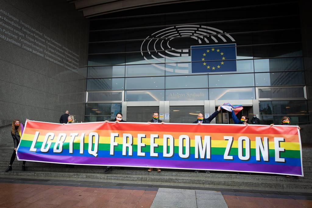 Derechos LGTBI, derechos humanos