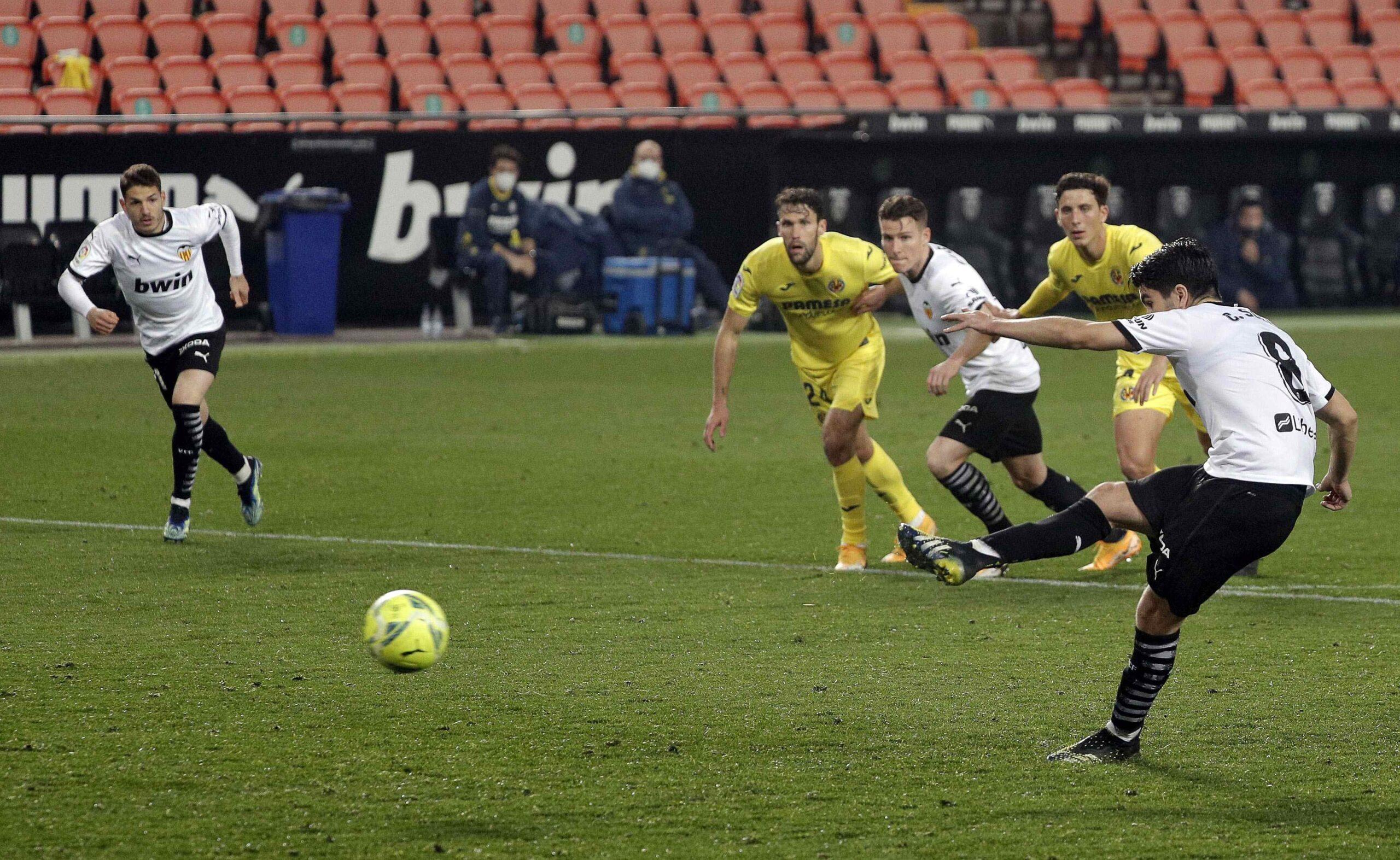 Guedes deja grogui al Villarreal (2-1)